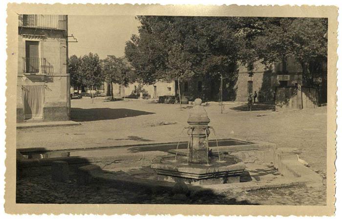 Los Navalmorales. Plaza de los Caños. 1959 (P-451)