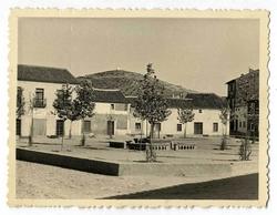 Los Navalmorales. Plaza del Marqués de Estella. 1959 (P-455)
