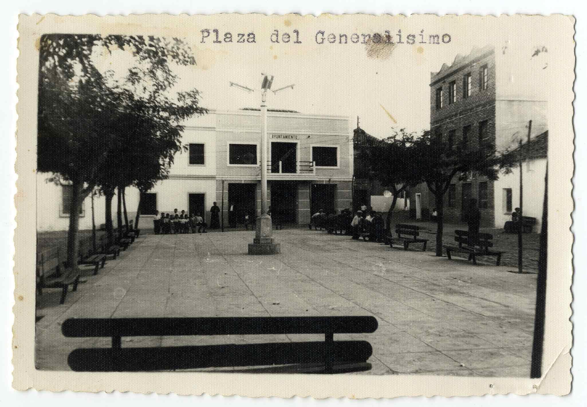La Pueblanueva. Plaza del Generalísimo. 1960 (P-419)