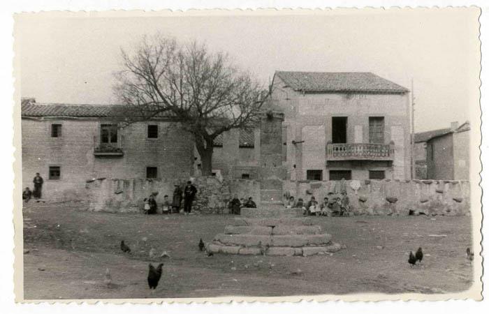 Montesclaros. Plaza Mayor. 1959 (P-551)