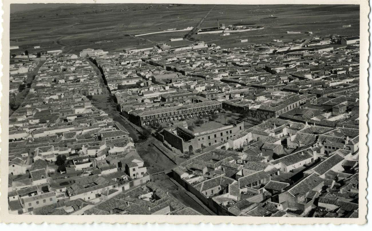 Madridejos. Vista aérea parcial. 1959 (P-2662)