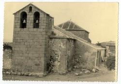Navalmoralejo. Iglesia  de San Pedro Apóstol.1959 (P-586)