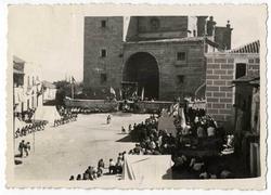 Navamorcuende. Misa de campaña en la plaza. 1959 (P-590)
