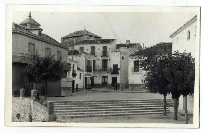 Noblejas. Plaza del Generalísimo. 1959 (P-595)