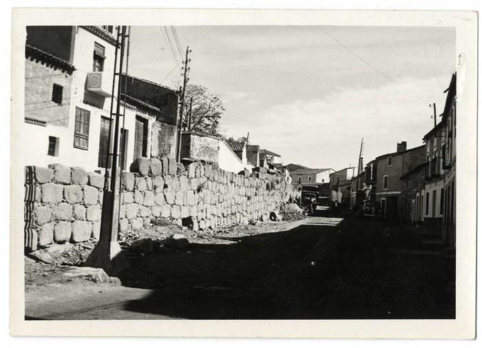 Oropesa. Restos de antigua muralla. 1960 (P-710)