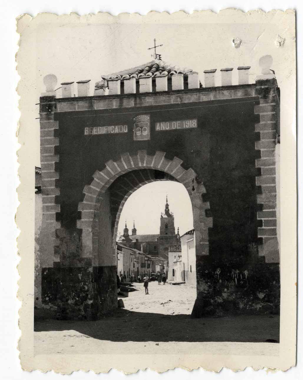 Orgaz. Arco de Belén o del Socorro. 1960 (P-679)
