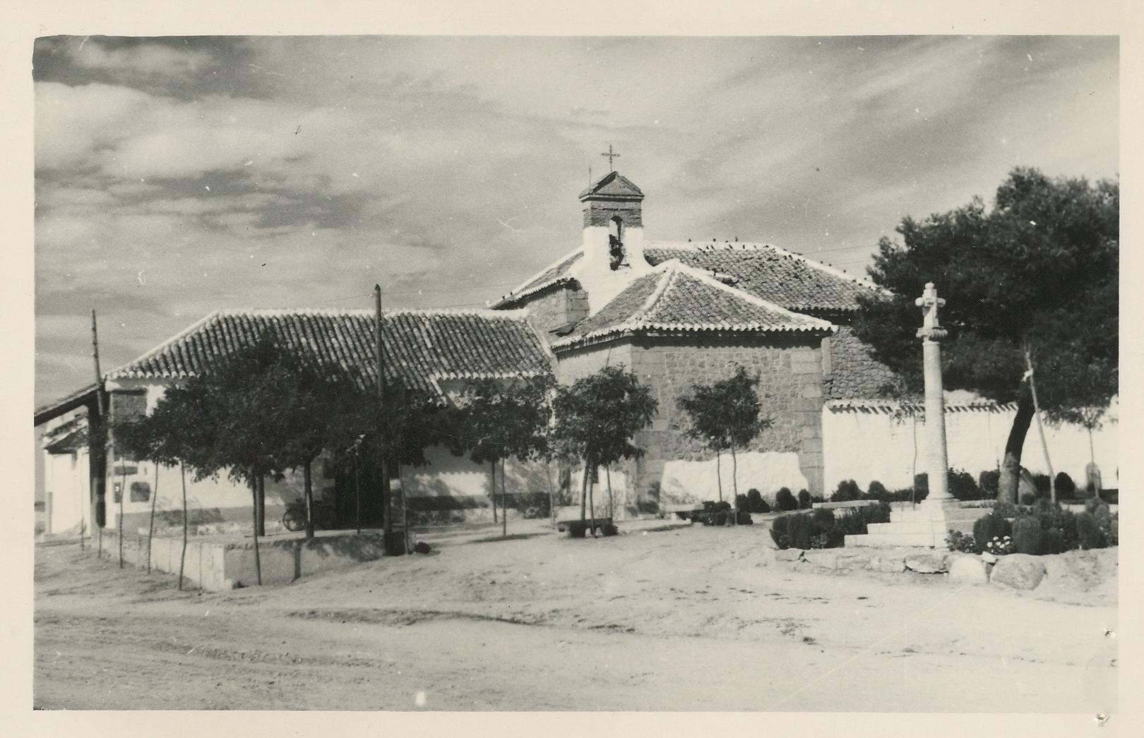 Orgaz. Ermita y parque de Ntra. Sra. del Socorro.1964 (P-686