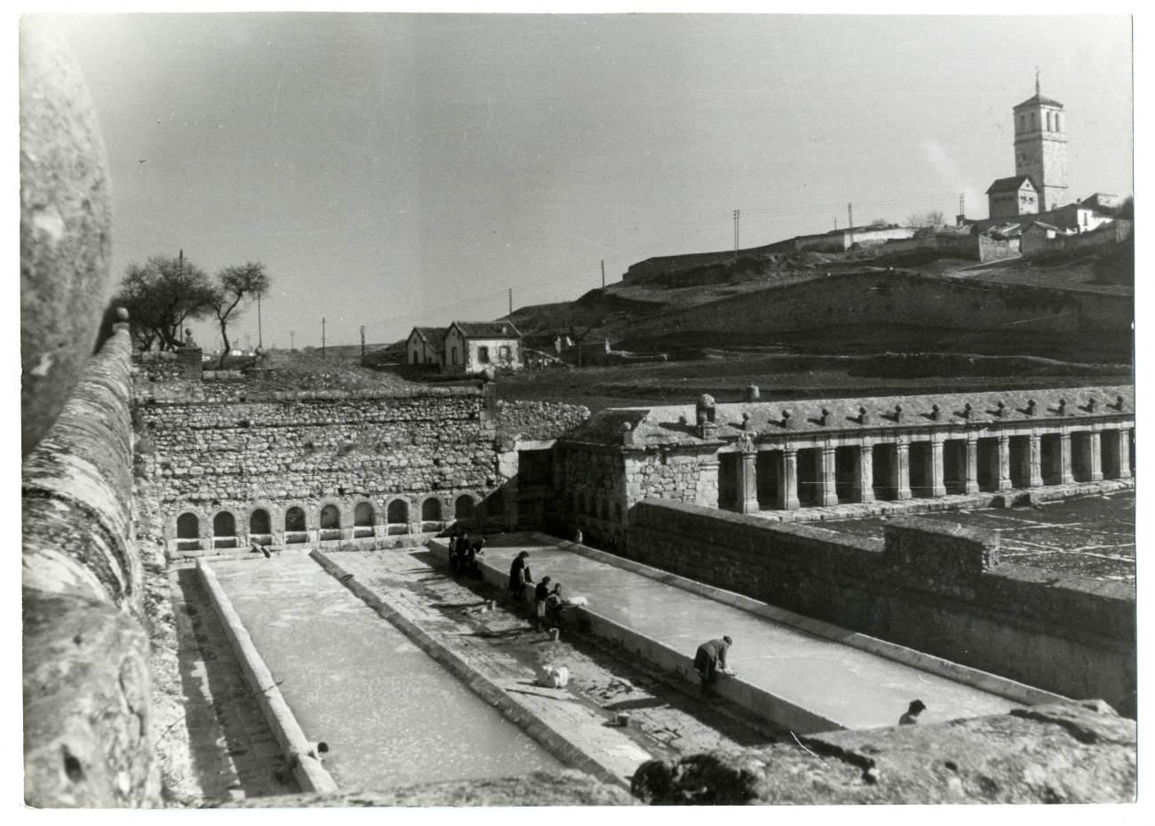 Ocaña. Lavadero y Fuente Grande. 1966 (P-2603)