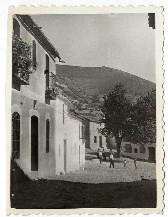 Robledo del Mazo. Plaza del Generalísimo. 1960 (P-790)