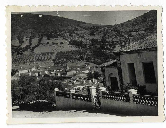 Robledo del Mazo. Vista desde de las escuelas. 1960 (P-791)