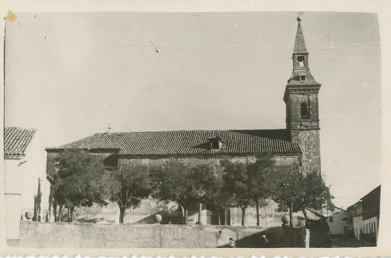 Portillo de Toledo. Iglesia Ntra. Sra. de la Paz.1960 (P-745