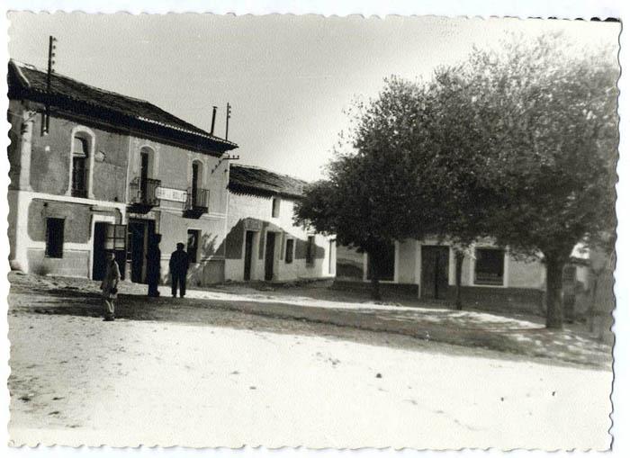 Santa Cruz del Retamar. Plaza de las Bolas. 1960 (P-828)