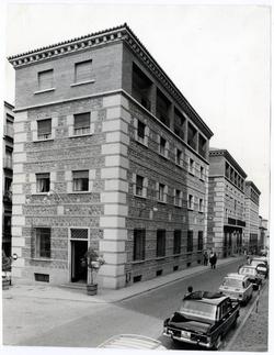 Toledo. Casa sindical. Hacia 1970 (P-999)