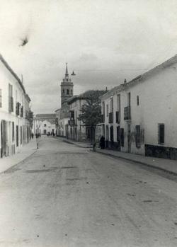 Tembleque. Calle de la Iglesia. 1969 (F-071)