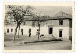 Villafranca de los Caballeros. Ayuntamiento. 1960 (P-1451)