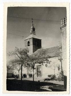 Villafranca de los Caballeros. Iglesia. 1960 (P-1464)