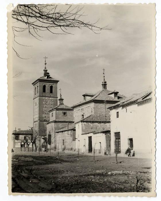 Villaluenga de la Sagra. Iglesia San Andrés. 1960 (P-1479)