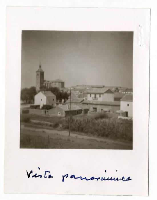 Yunclillos. Vista parcial e iglesia. (P-1536)