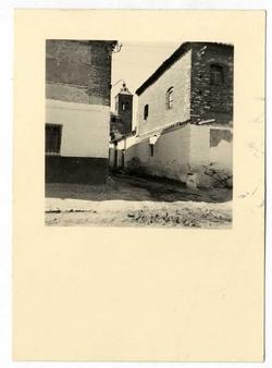 Camarena. La torre vista desde la calle Carroza. 1958 (P-74)