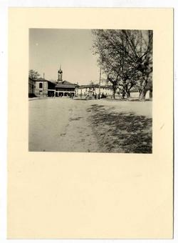 Camarena. Casa Ayuntamiento desde la carretera. 1958 (P-73)
