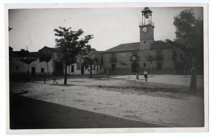 Calera y Chozas. Plaza José Antonio.Ayuntamiento.1958 (P-59)
