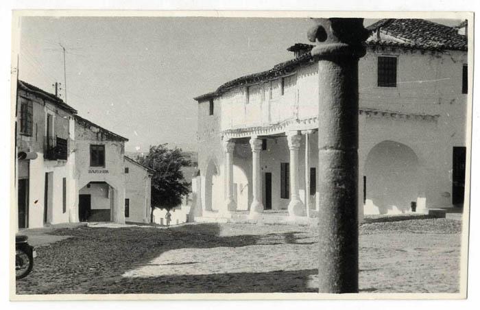 El Puente del Arzobispo. Calle Pedro Tenorio. 1965 (P-244)