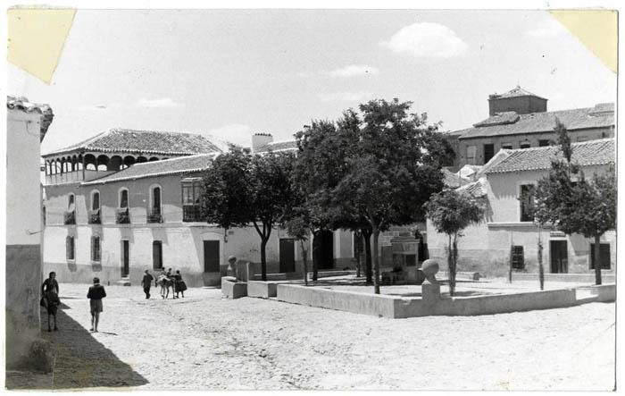 La Puebla de Montalbán. Plaza de la Glorieta. 1960. (P-392)