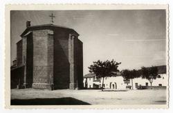 Torralba de Oropesa. Ábside de la iglesia. 1960 (P-1399)