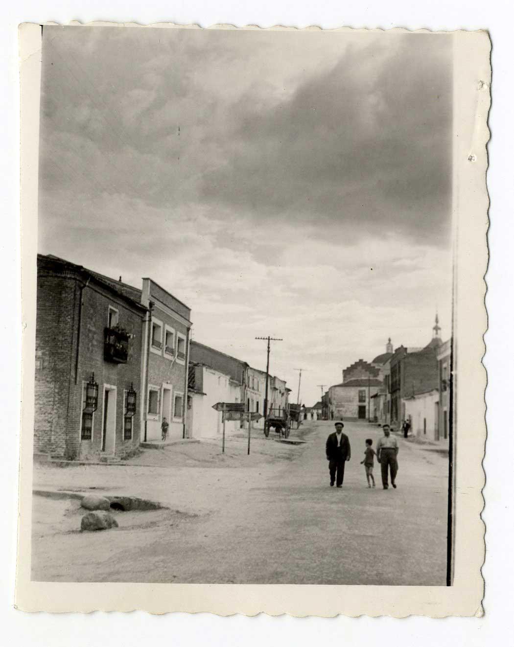 Valmojado. Calle Héroes del Alcázar. 1960 (P-1447)