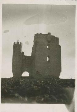 Caudilla. Ruinas del castillo de los Ribadeneira.1958(P-832)