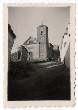 Camuñas. Iglesia parroquial de la Asunción. 1958 (P-90)