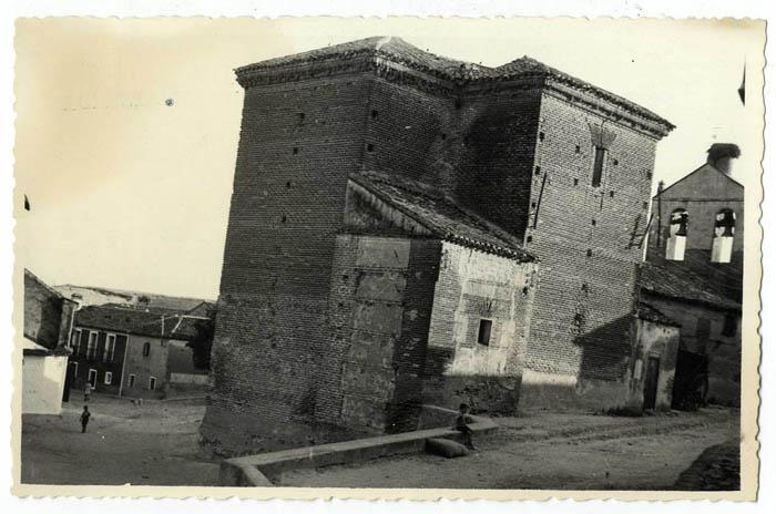 Montearagón. Iglesia de San Miguel Arcángel. 1959 (P-543)