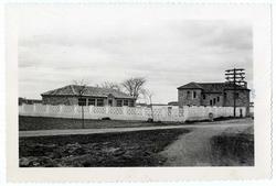 Burguillos de Toledo. Escuelas. Hacia 1960. (P-42)