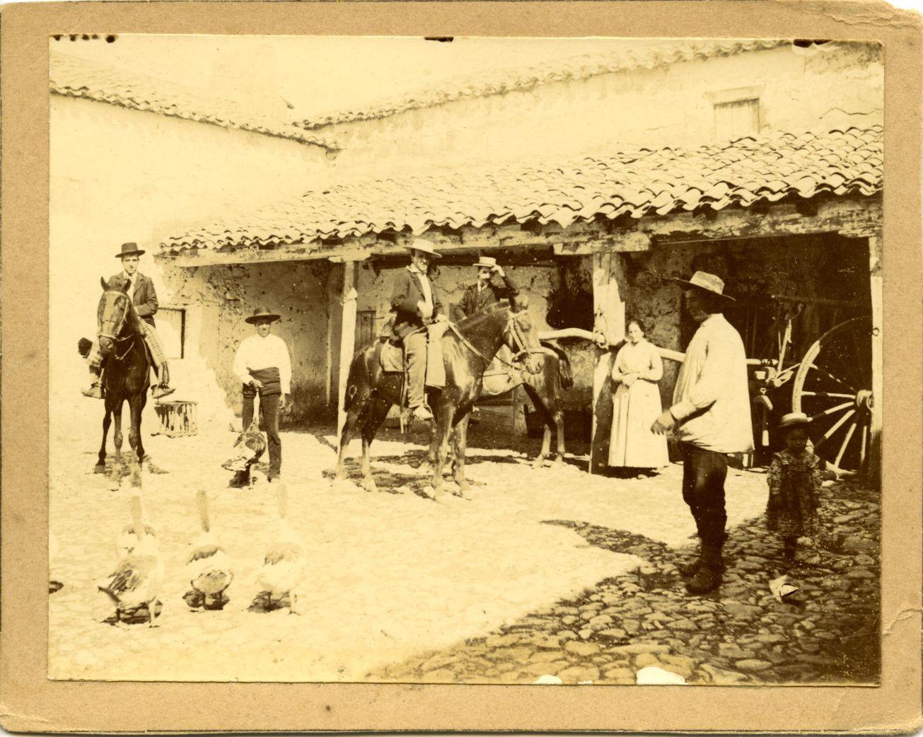zx.-Francisco Román Martínez en un Cortijo en Alcaraz