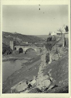 g.-Roca Tarpeya. Puente de San Martín al fondo