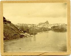 ñ.-El Barrio de Las Covachuelas y el Hospital de Tavera