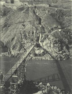 c.-Pasarela para construir el nuevo Puente de Alcántara