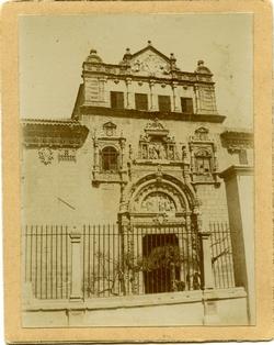 l.- Fachada del Hospital de La Santa Cruz