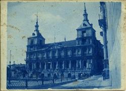 v.-Fachada del Ayuntamiento