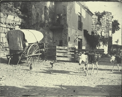 b.-Casa que ocultaba la Puerta de Alcántara. Antes de 1911