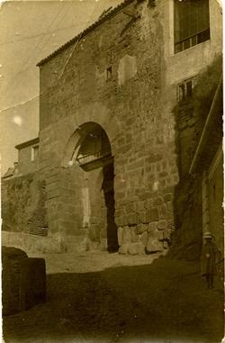 n.-Puerta del Valmardón
