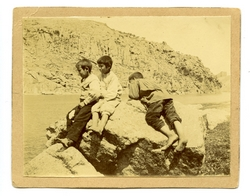 t.-Niños en la orilla del río Tajo
