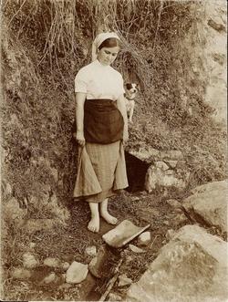i.-Mujer pescadora