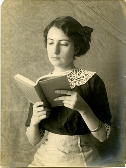 x.-Retrato de Emilia Román del Amo. (Sobrina del pintor)
