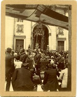 h.-Procesión del Corpus Christi. Vista de la Custodia