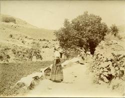 x.-Mujeres lavando en las cercanías de Alcaraz (Albacete)