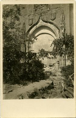 zd.-Portada del Convento de San Francisco en Alcaraz (1925)
