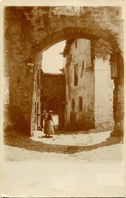 ze.-Arco Intermedio de la Subida al Castillo de Alcaraz