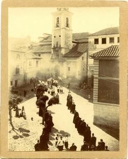 y.-Acto religioso en la Plaza de San Justo
