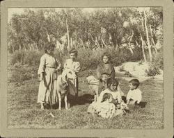 f.-Niños en el Soto del Tajo